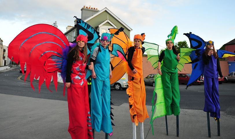Greystones young stiltwalkers